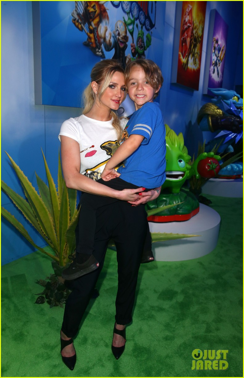 ashlee simpson son bronx growing up 02