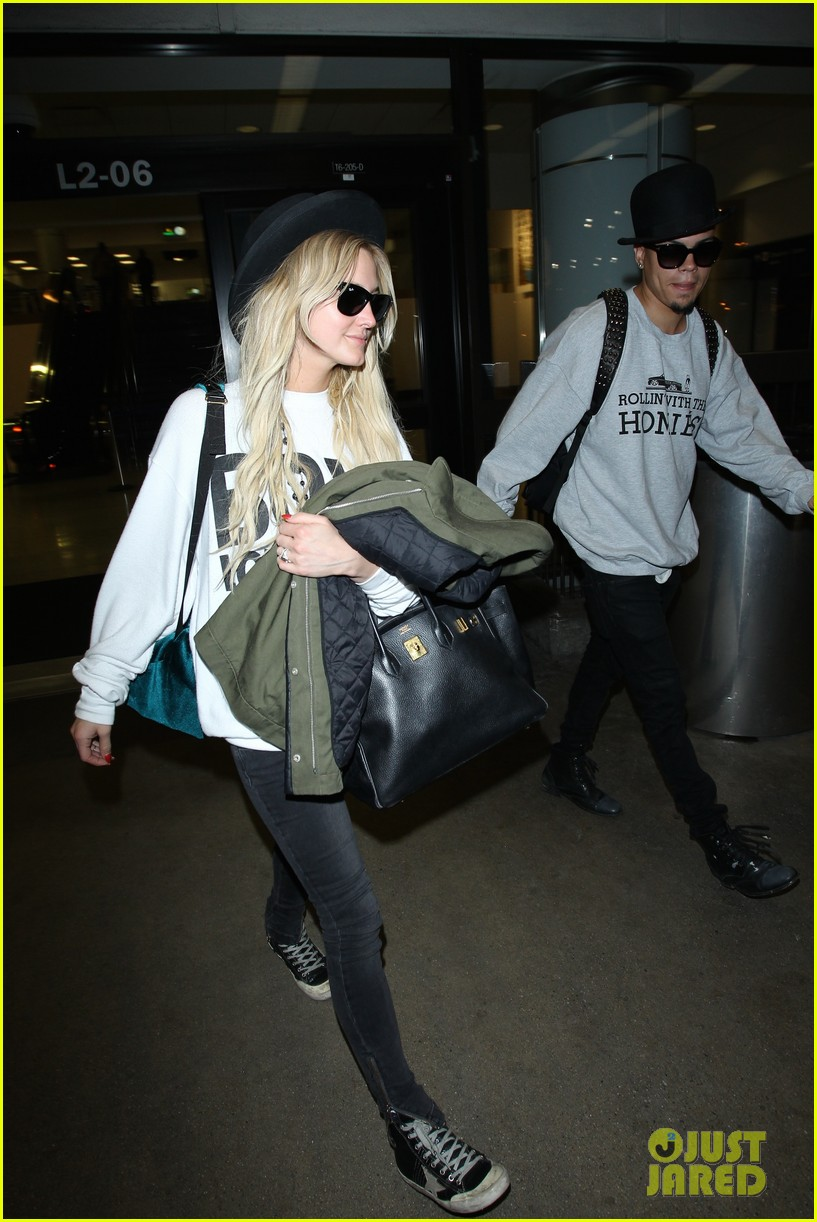 ashlee simpson evan ross say goodbye to new york city 03