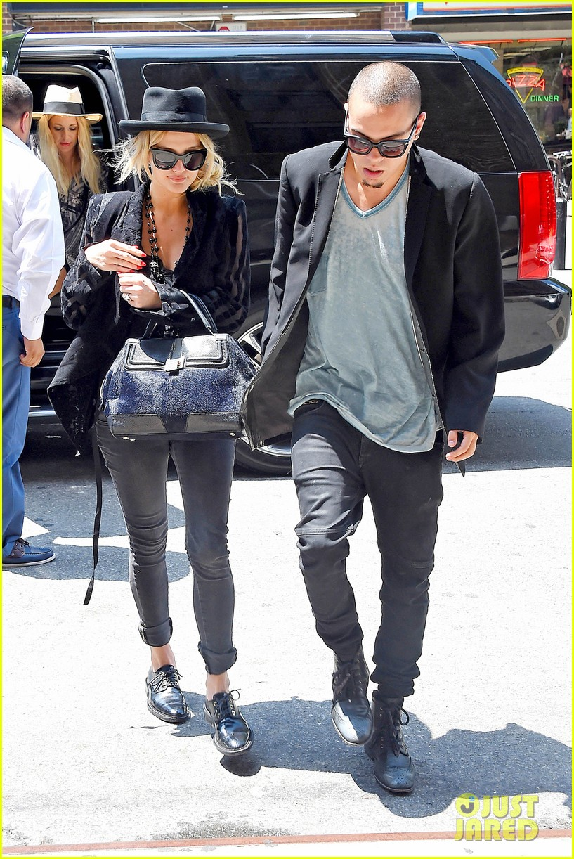 ashlee simpson evan ross say goodbye to new york city 07