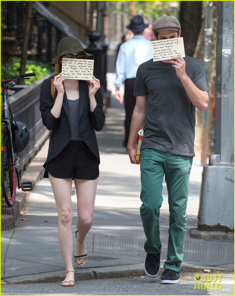 emma stone andrew garfield use signs to raise awareness 123137335