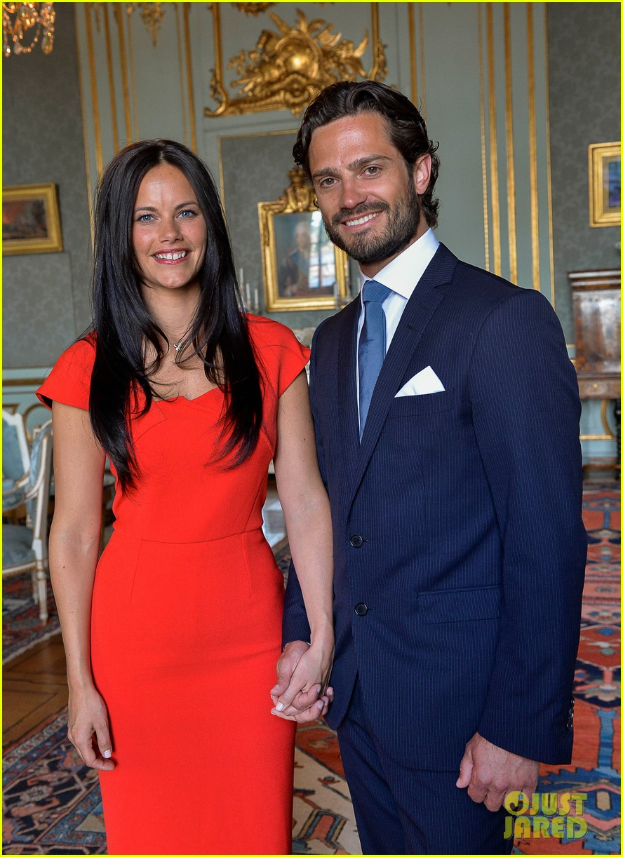 prince sweden announces engagement 01