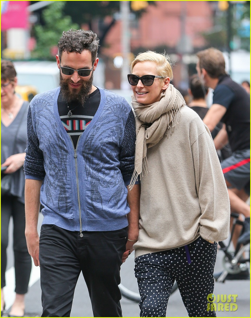 tilda swinton ditches her makeover for day out with sandro kopp 05