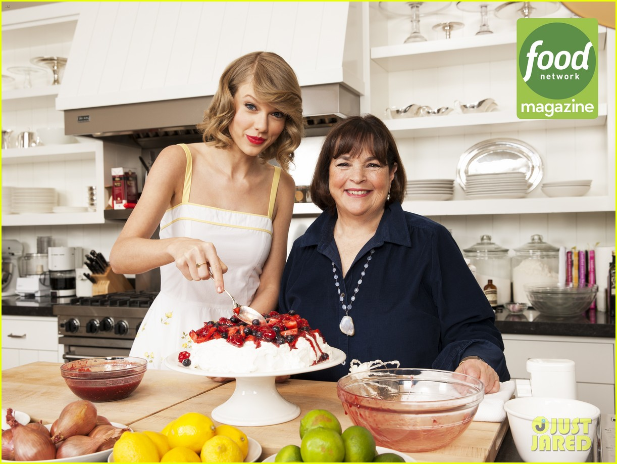 taylor swift bakes ina garten food network magazine 033137620