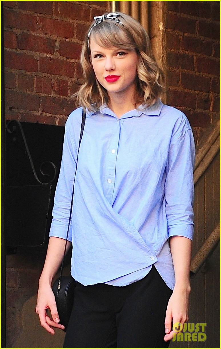 taylor swift bakes ina garten food network magazine 043137621