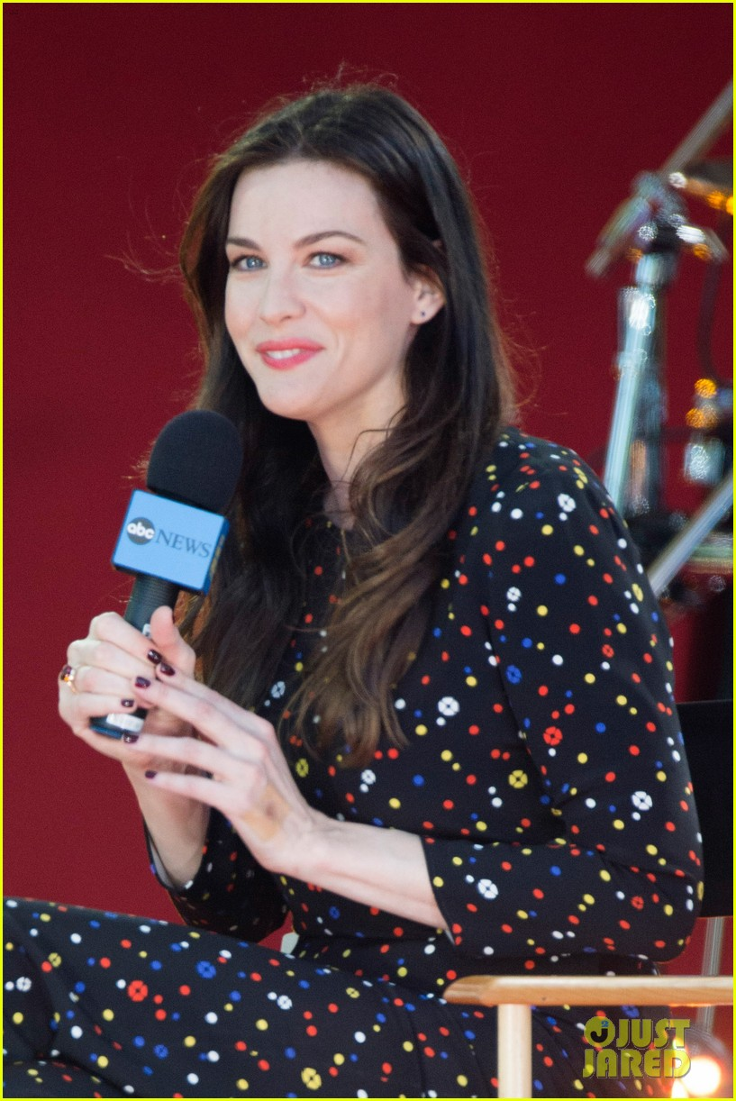 liv tyler shares beauty tips she learned from her dad 17
