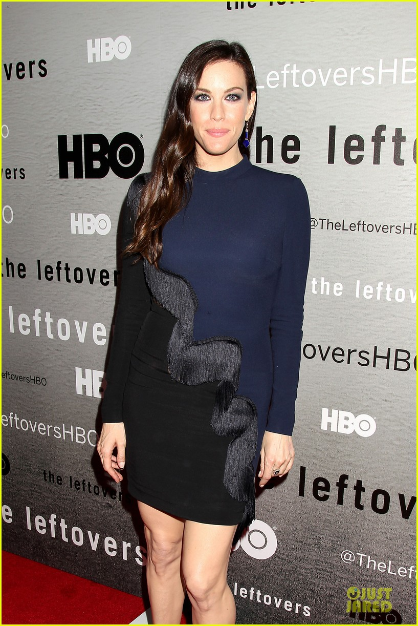 liv tyler amy brenneman stunning at leftovers premiere 08