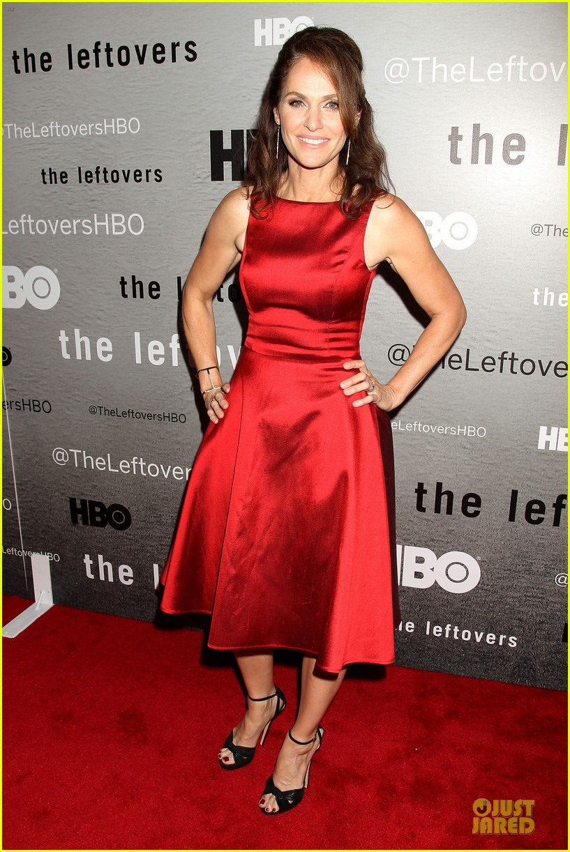 liv tyler amy brenneman stunning at leftovers premiere 12