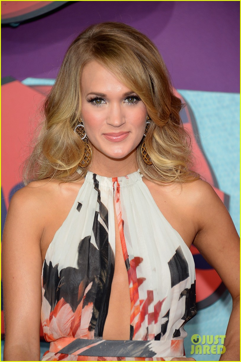 carrie underwood miranda lambert cmt music awards 2014 10