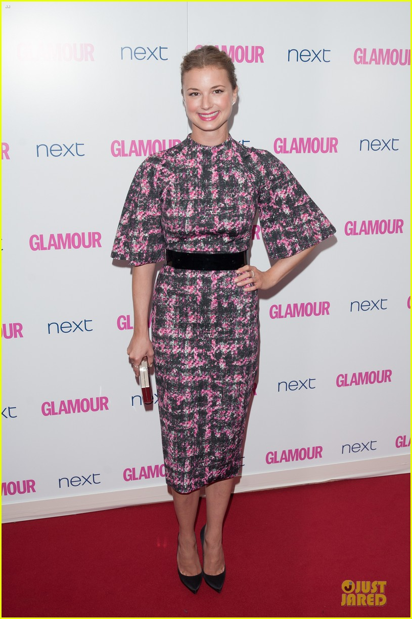 emily vancamp taylor schilling glamour women of the year awards 09