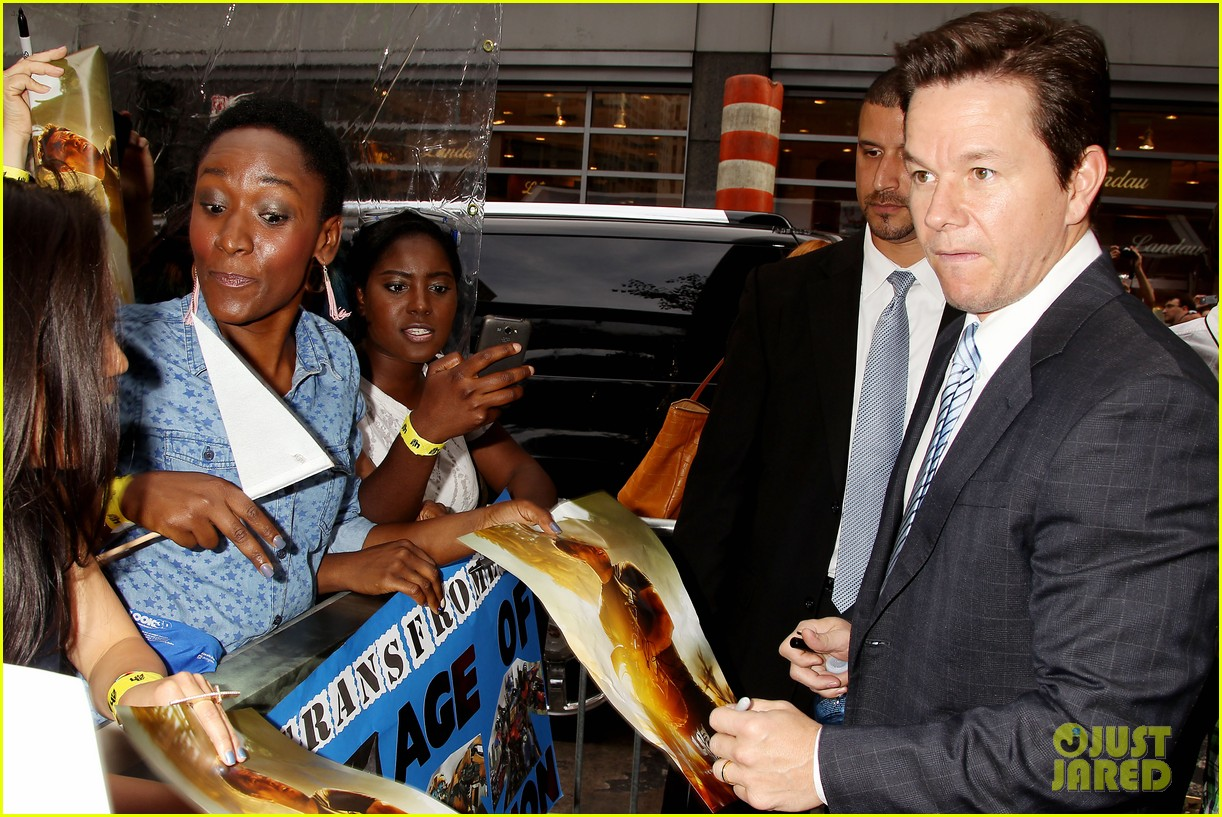 mark wahlberg brings the family to transformers nyc premiere 06