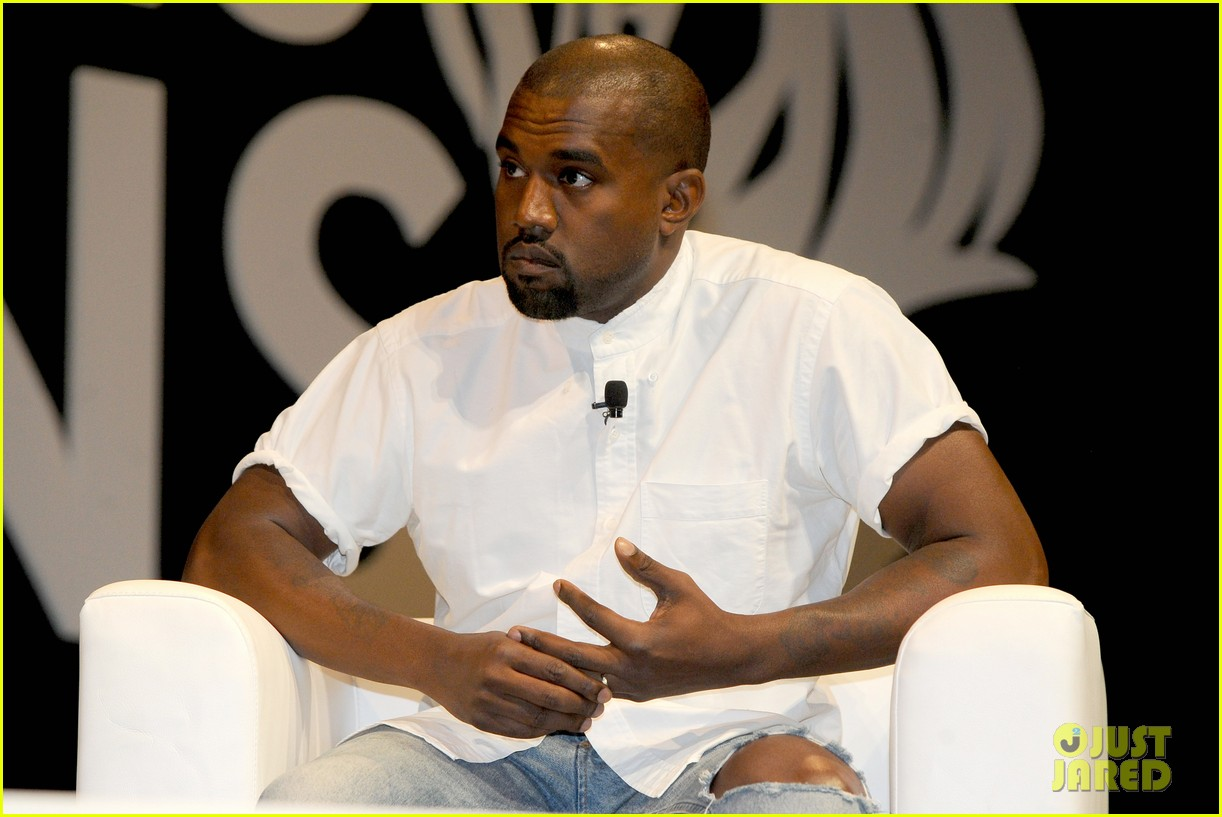 kanye west trashes annie leibovitz for bailing on wedding 19