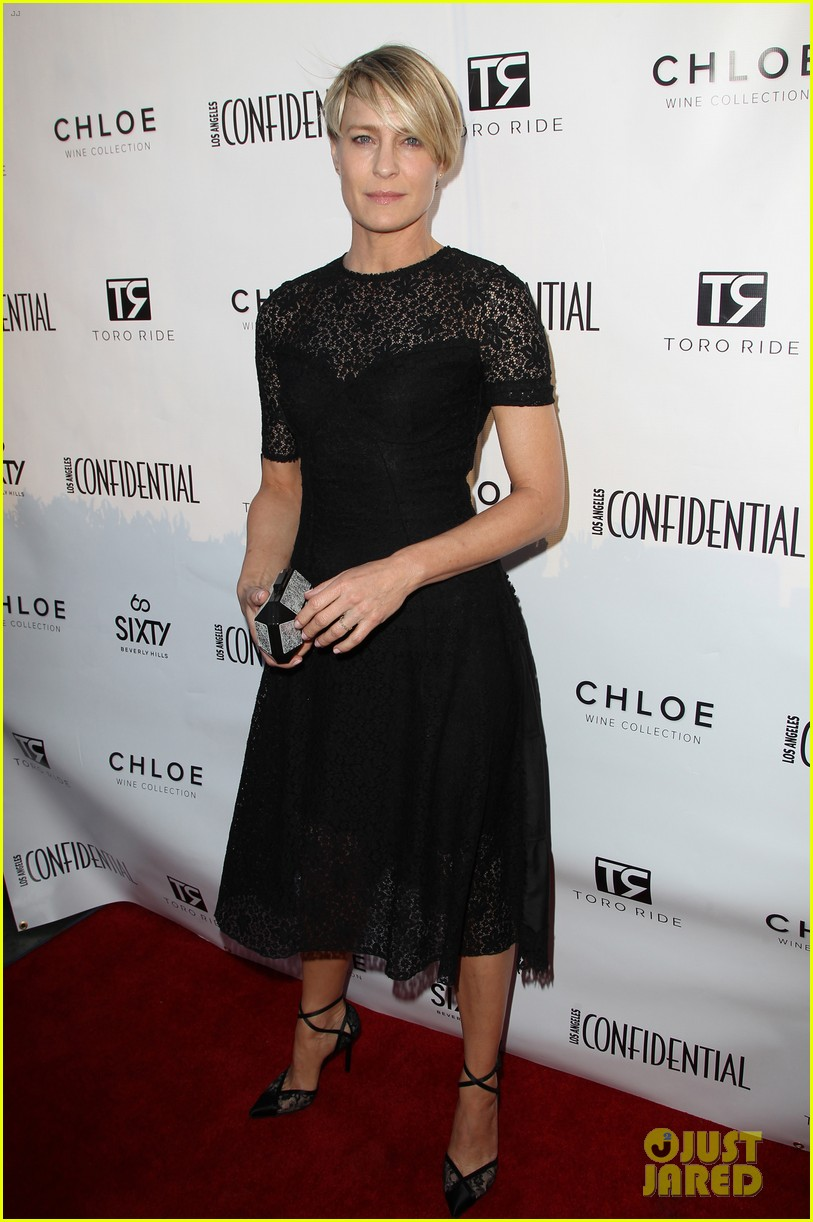 robin wright celebrates her la confidential cover 083128744