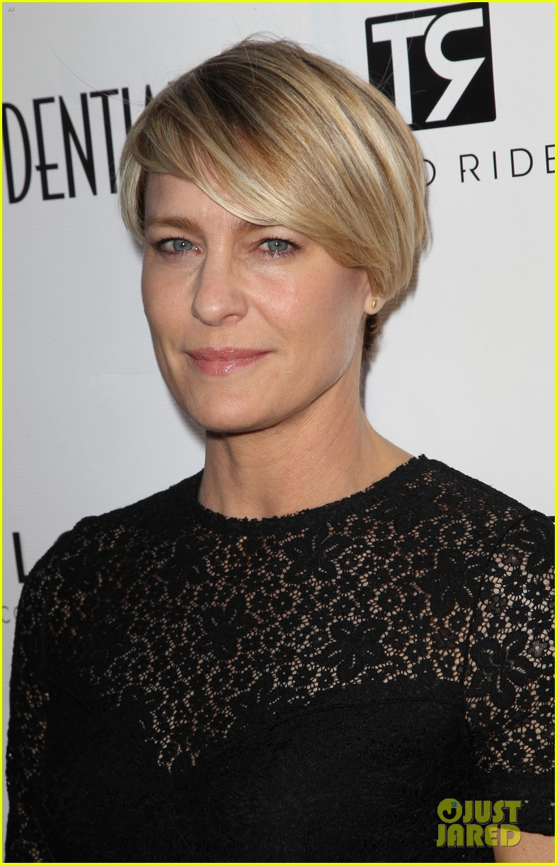 robin wright celebrates her la confidential cover 10