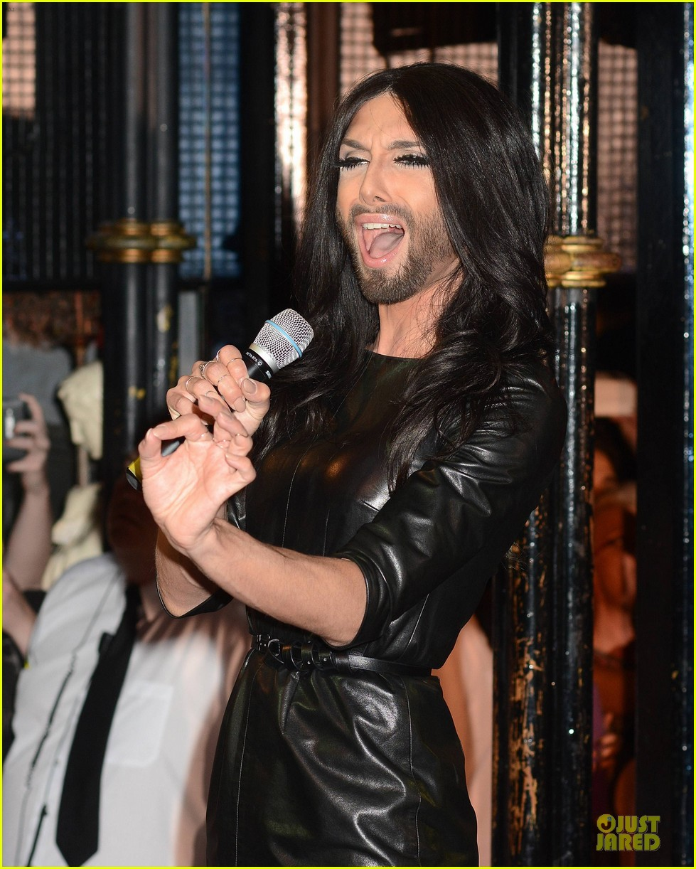 conchita wurst makes statement on love respect tolerance 15