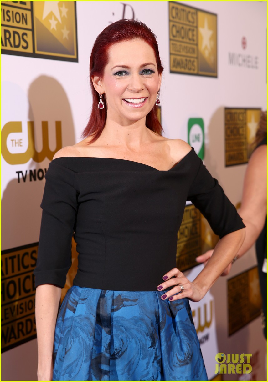 bellamy young wins at critics choice tv awards 2014 08
