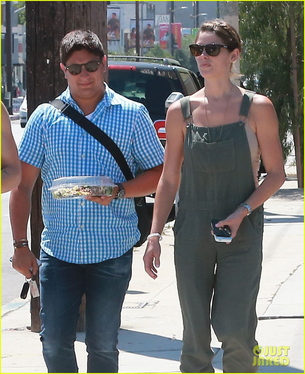 ashley greene wears overalls lunch 01