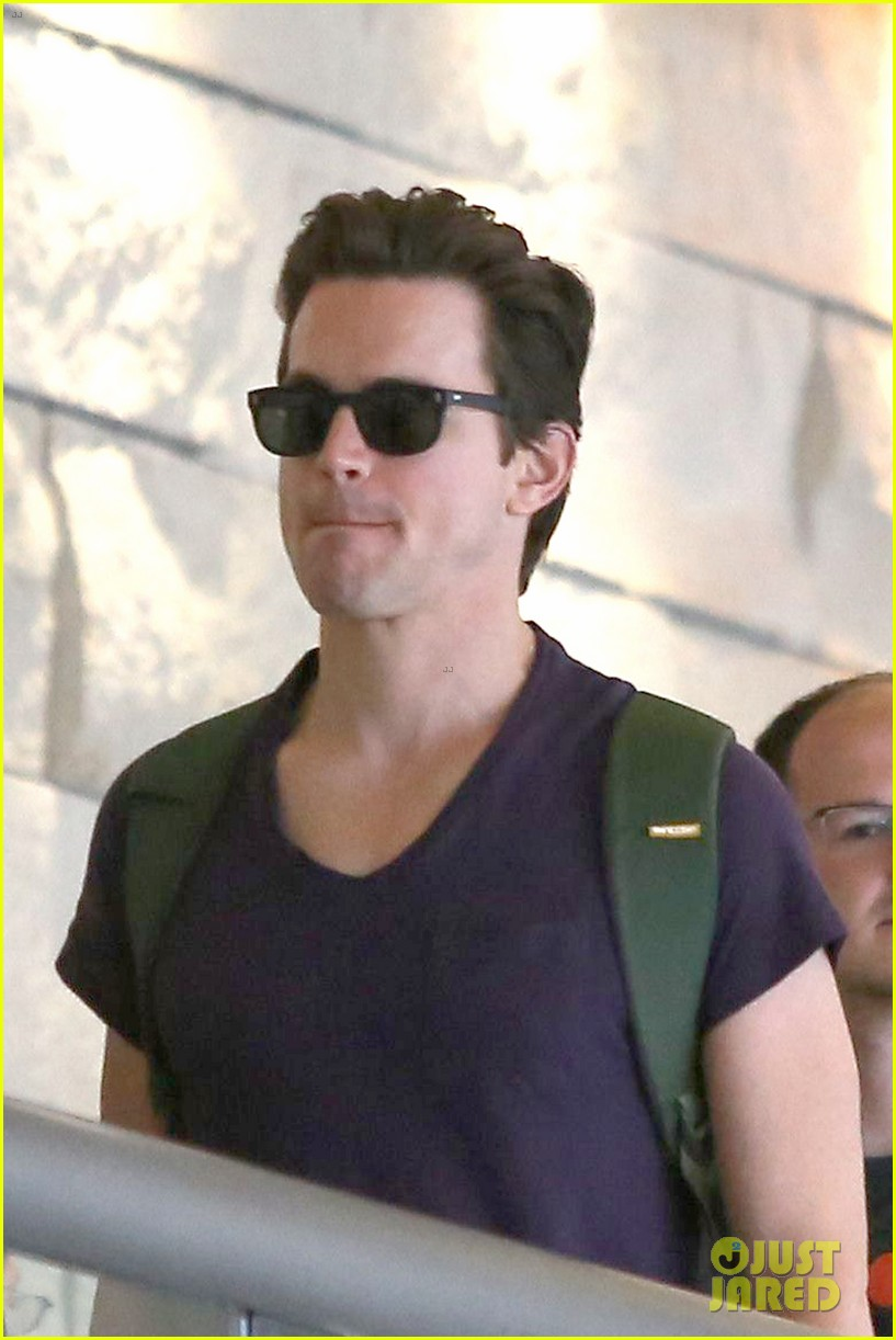 matt bomer wears short shorts at the airport 04