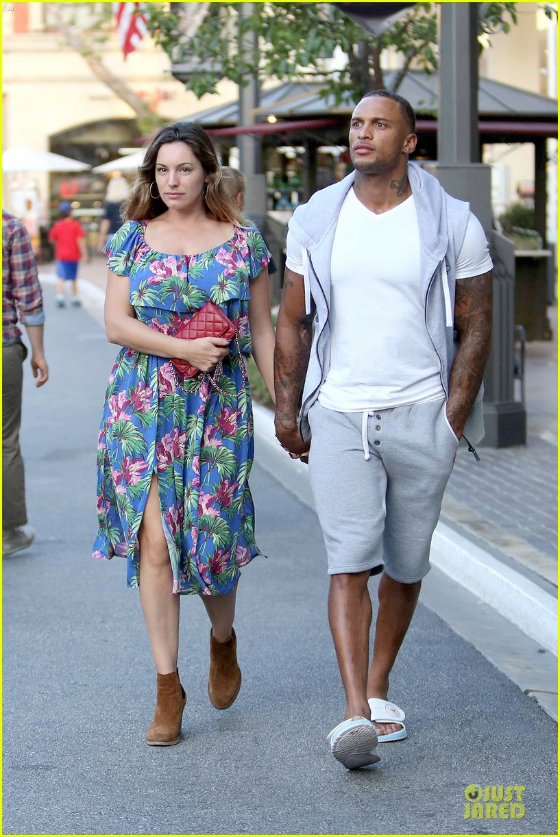 kelly brook fiance david mcintosh isnt after one night stands 083147474