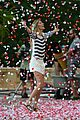gisele bundchen showered with rose petals 18