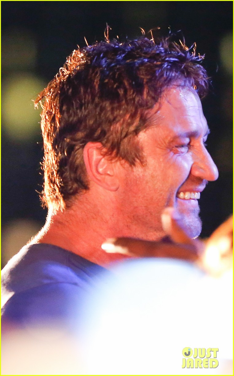 gerard butler taylor kitsch hang out in brazil 173151757