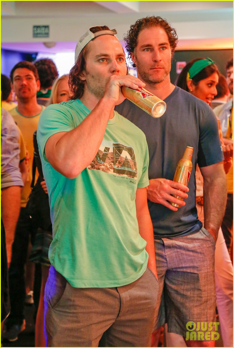 gerard butler taylor kitsch watch brazils massive defeat against germany 07