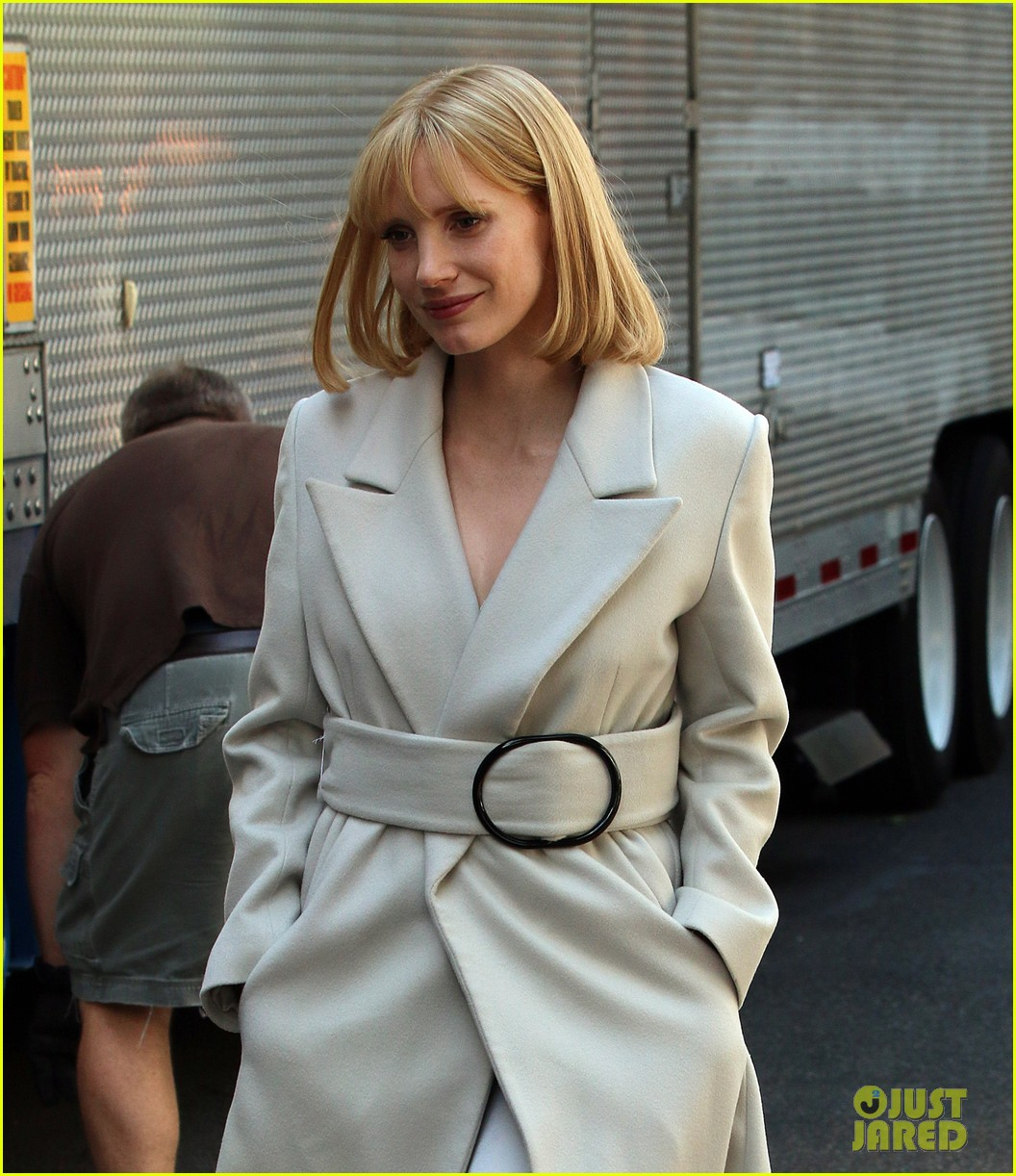 jessica chastain gets into character for a most violent year 073152477