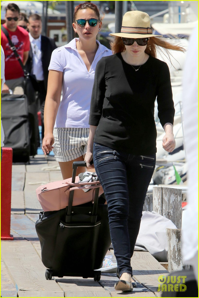 jessica chastain boyfriend gian luca wrap their arms around each other 093153765