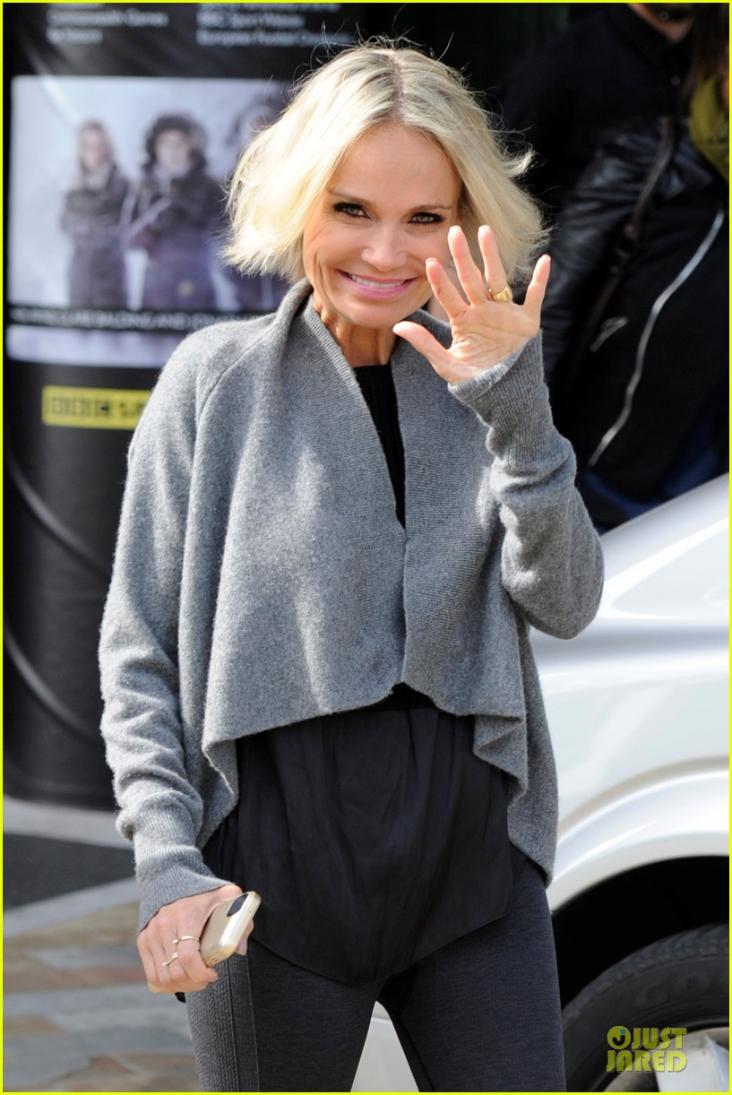 kristin chenoweth dana brunetti look cute together before royal albert hall 023154106