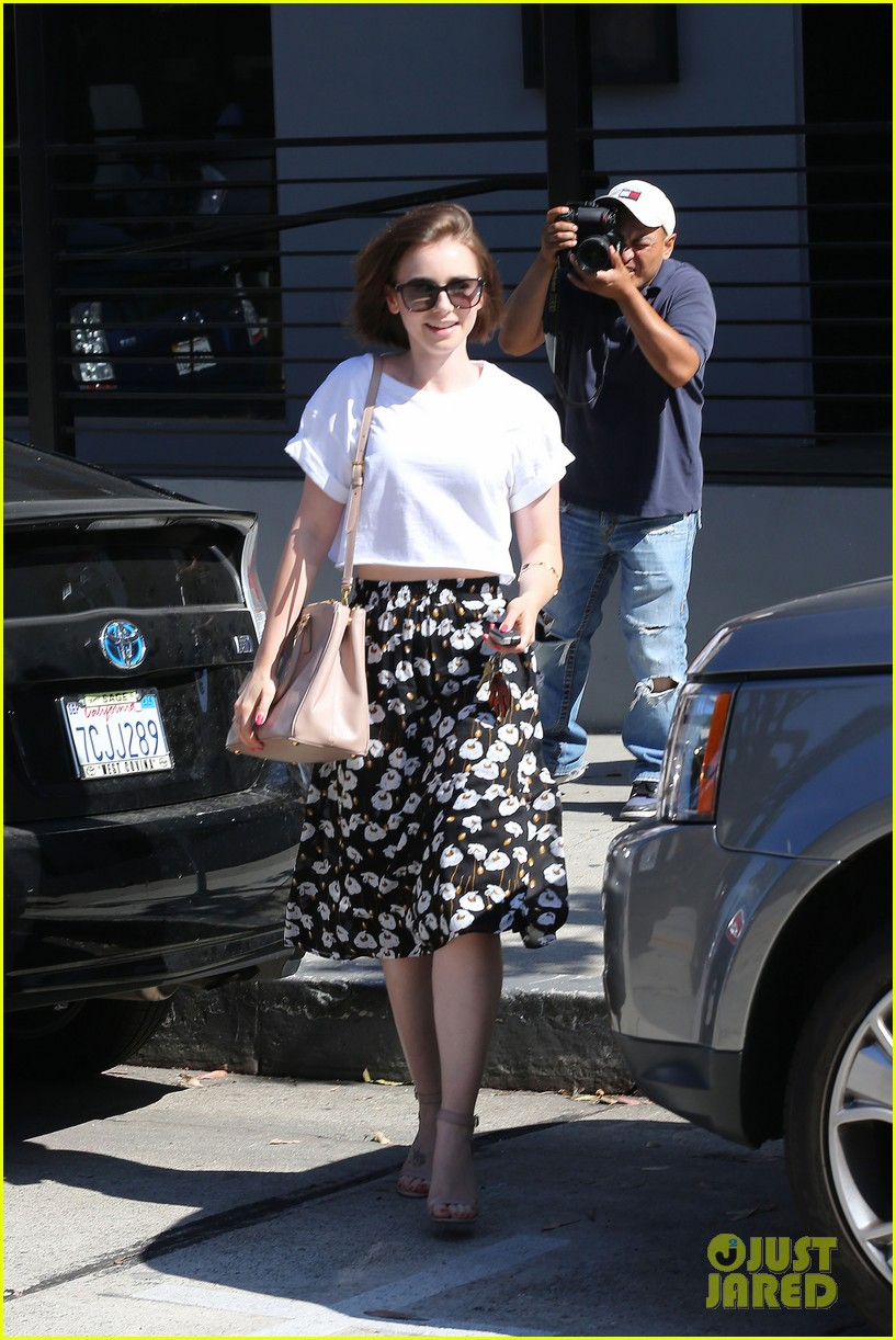 lily collins salon stop before holiday 09