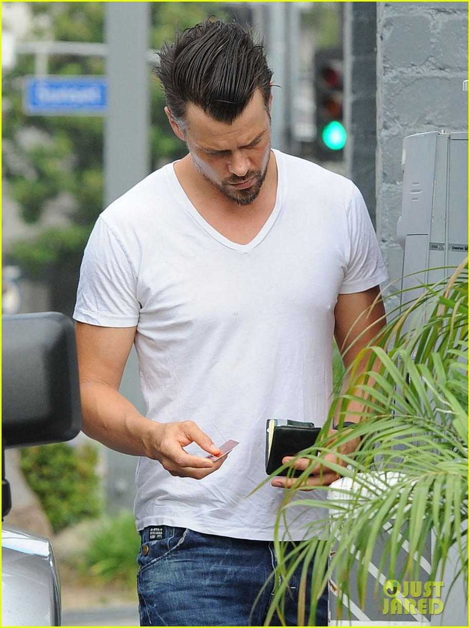 josh duhamel dresses up in giant pink bunny suit 073152972