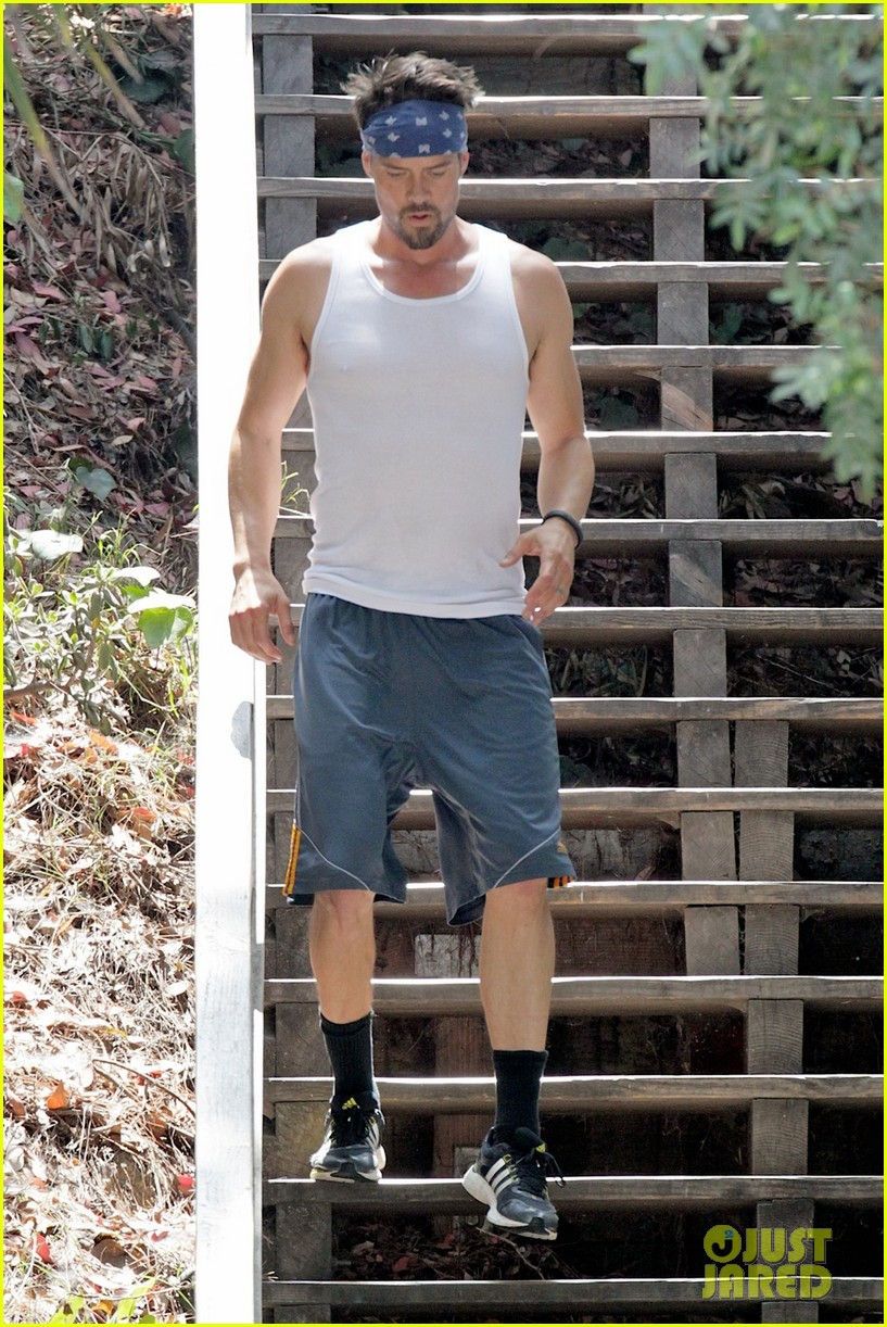 josh duhamel flexes his muscles for intense outdoor workout 01