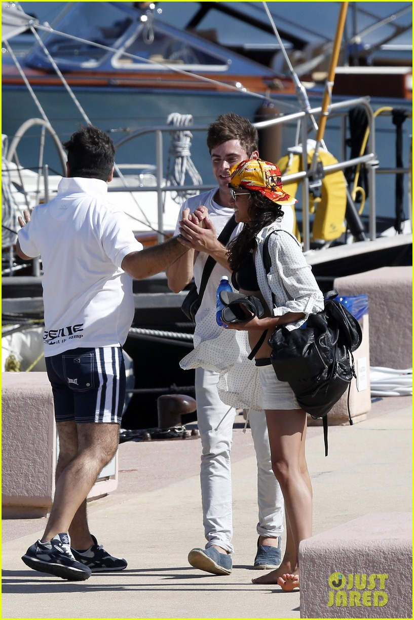 zac efron michelle rodriguez set sail together in porto cervo 06