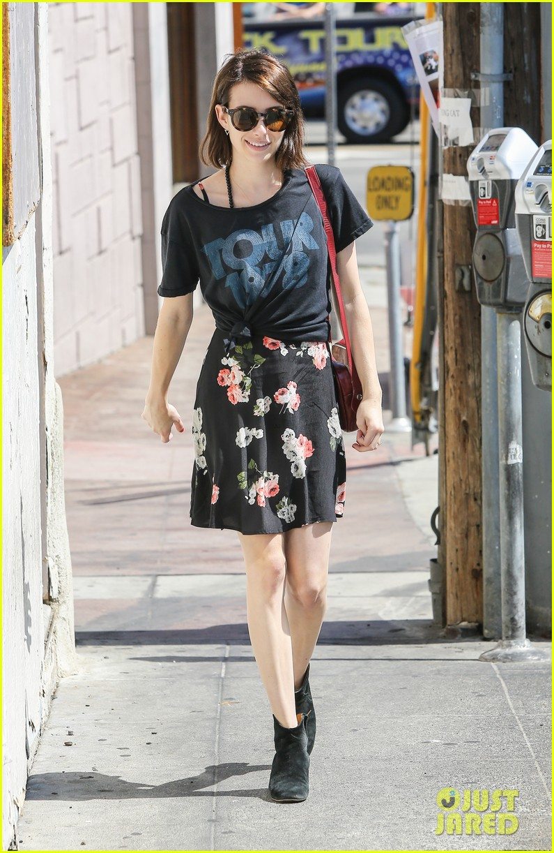 emma roberts takes break ashby filming 01