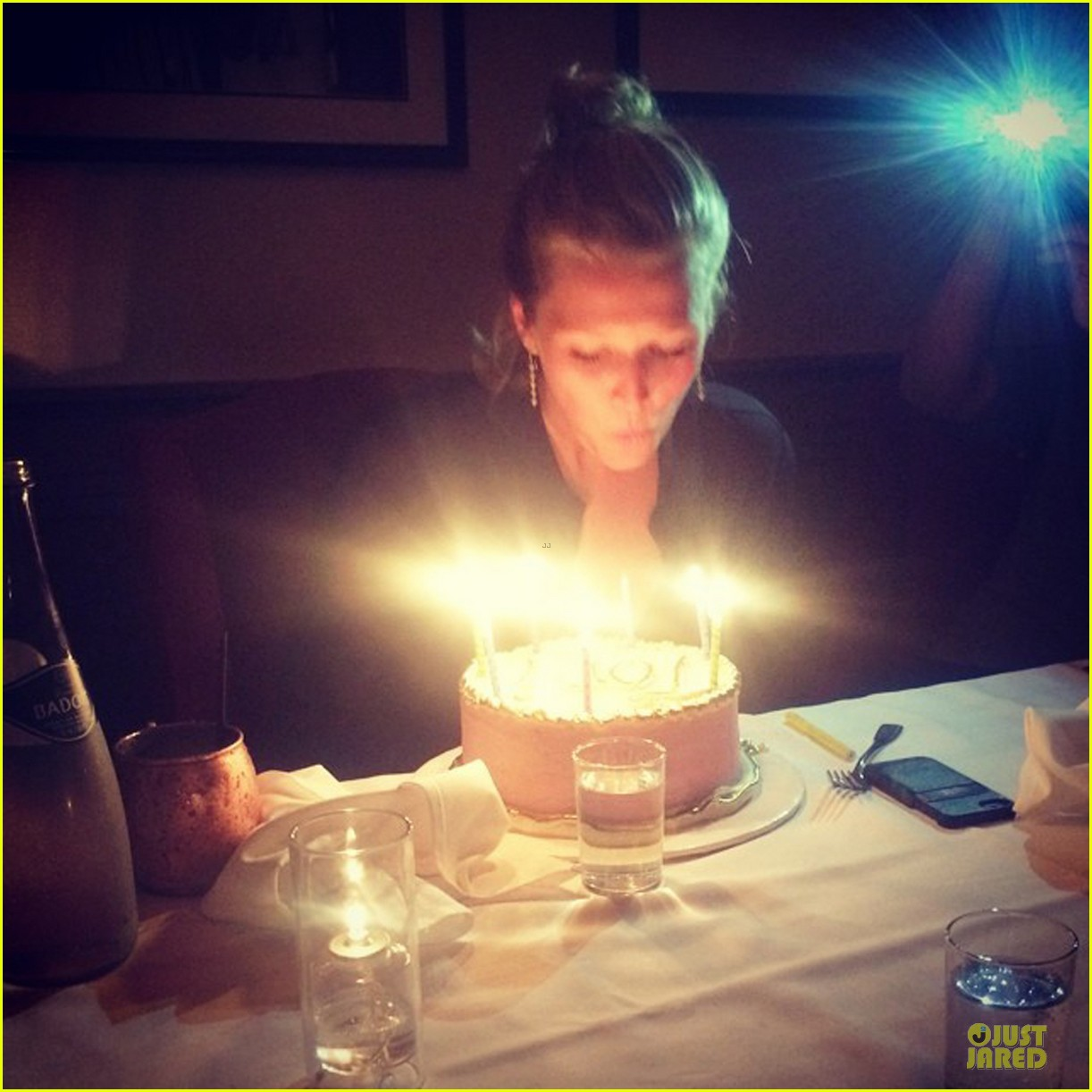 toni garrn looks chic after 22nd birthday 05