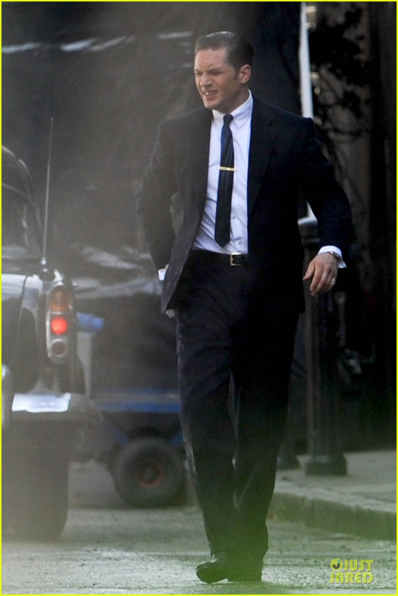 tom hardy handsome legend in a suit 013152820