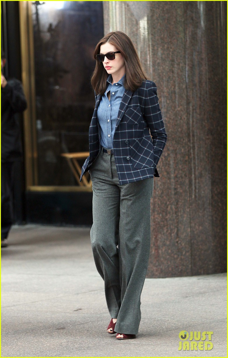 anne hathaway walks the streets of new york in a bathrobe 05
