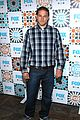 charlie hunnam is a total stud at foxs summer tca all star party 06