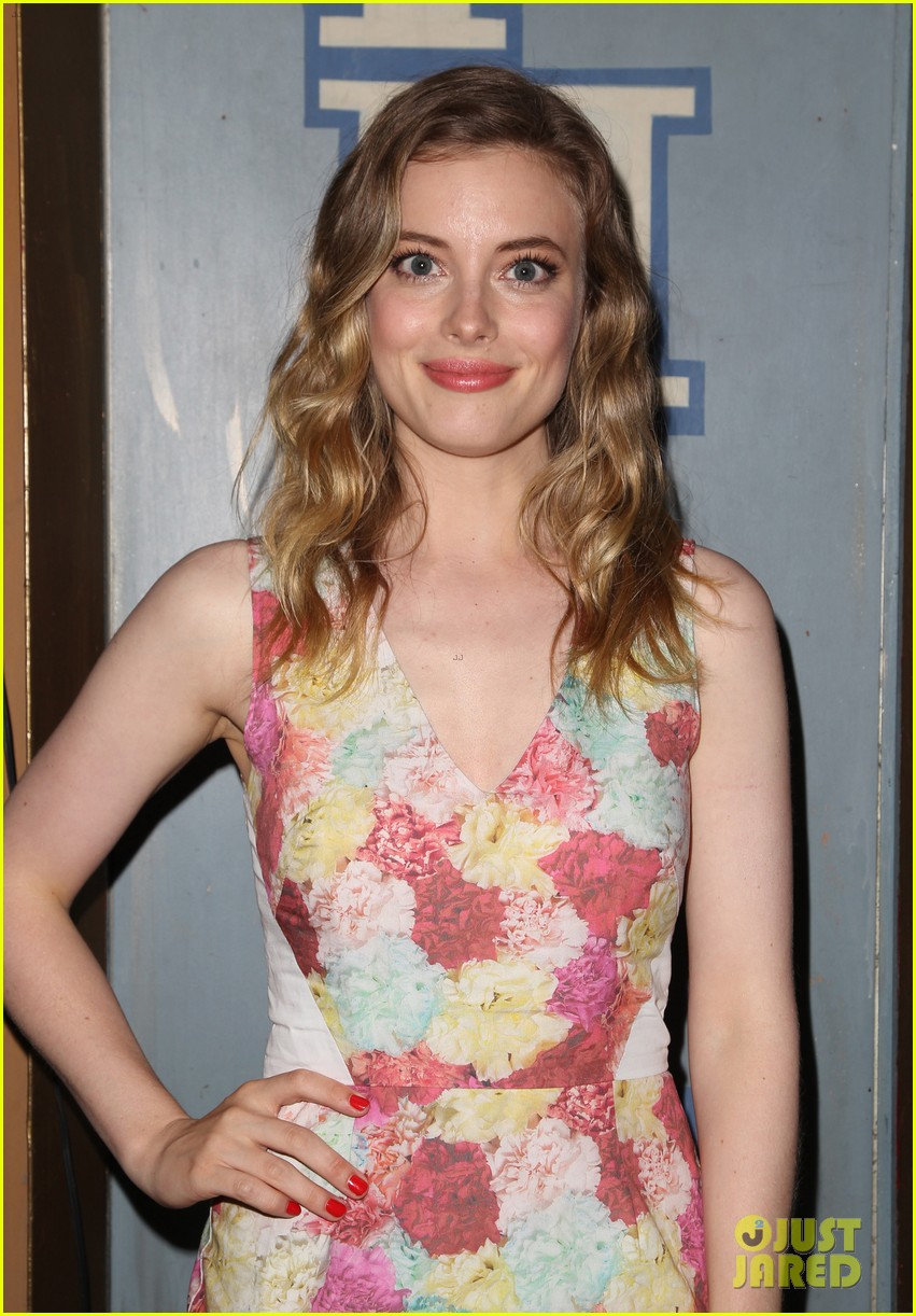 gillian jacobs joins gary oldman for life partners screening 093153614