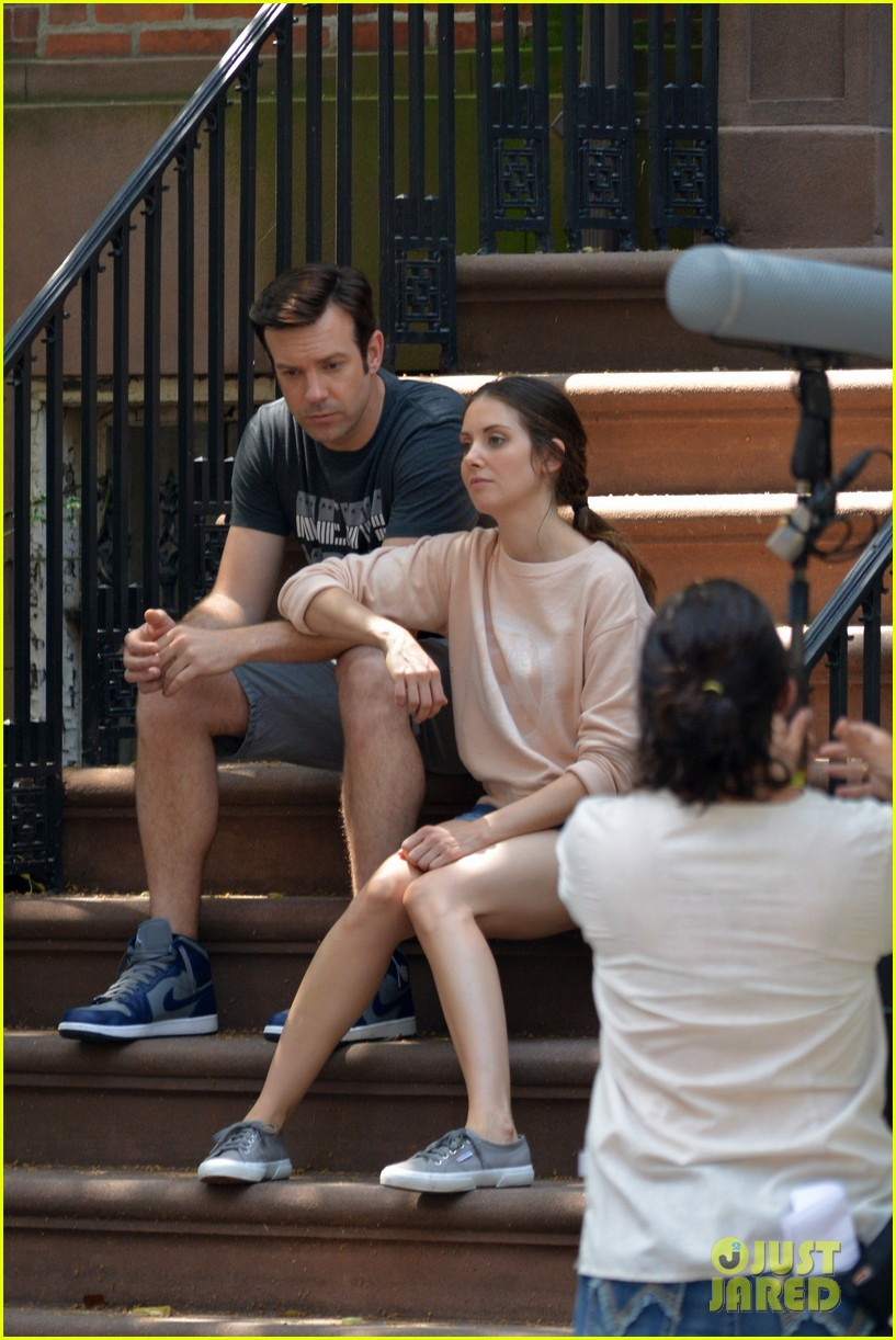 jason sudeikis alison brie film tiring moving scene for sleeping with other people 083149013