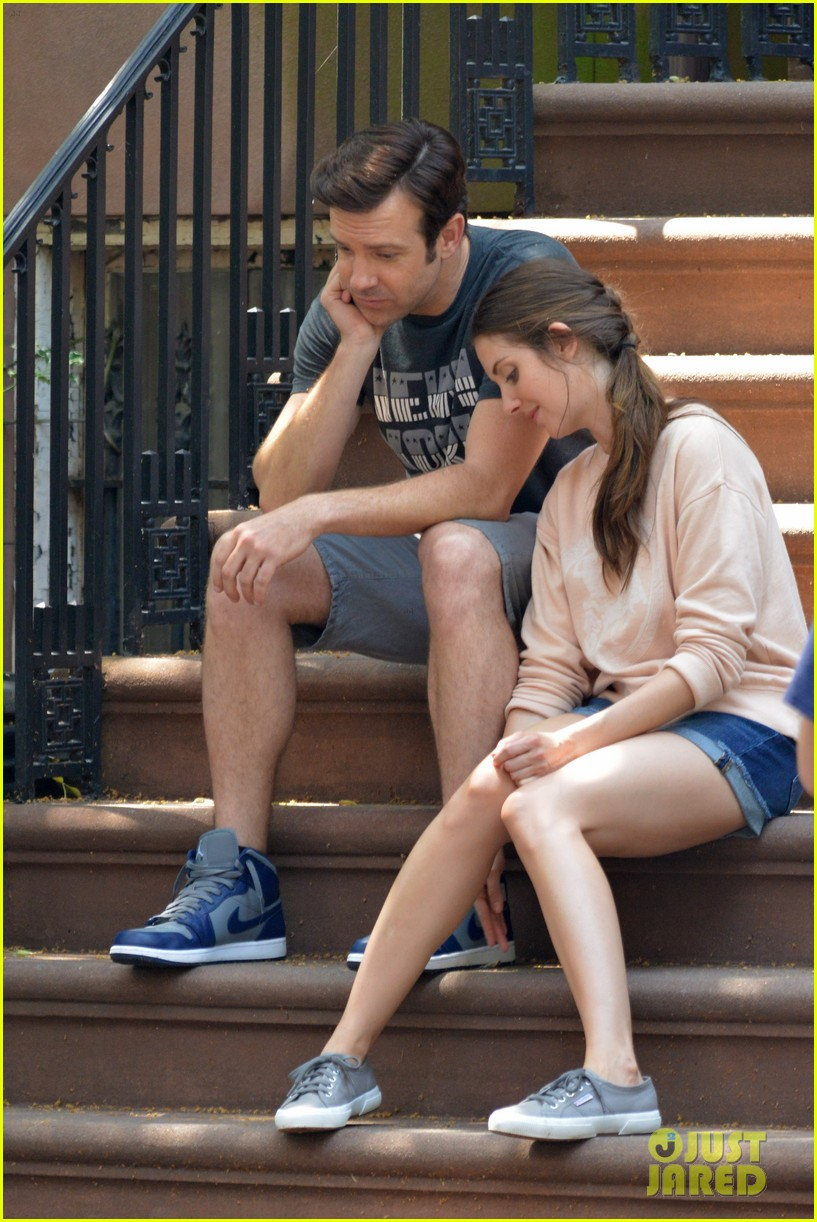 jason sudeikis alison brie film tiring moving scene for sleeping with other people 103149015