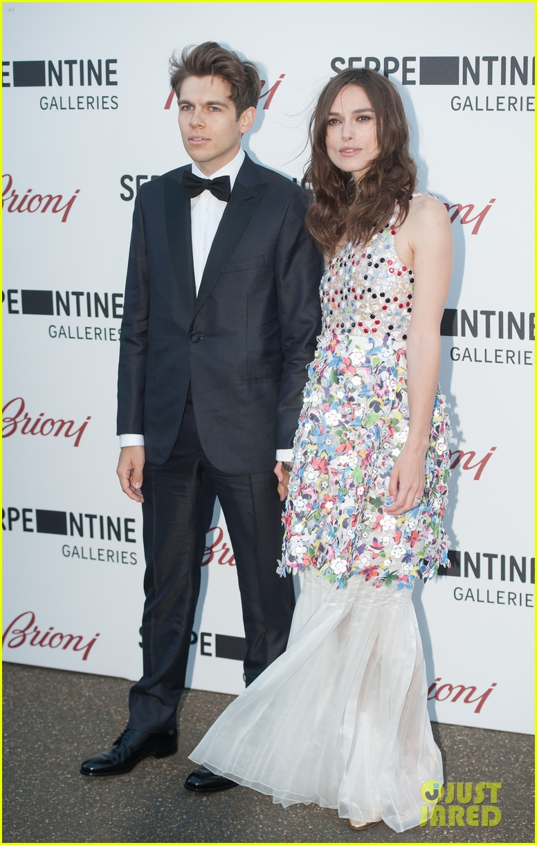 keira knightley james righton share adorable moment at serpentine gallery party 03