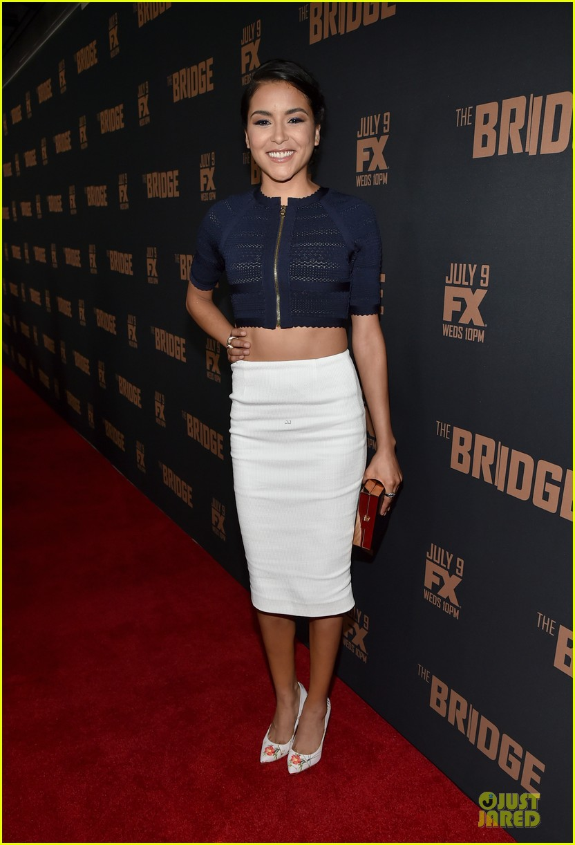 diane kruger brings colorful fashion sense to bridge premiere 033151519
