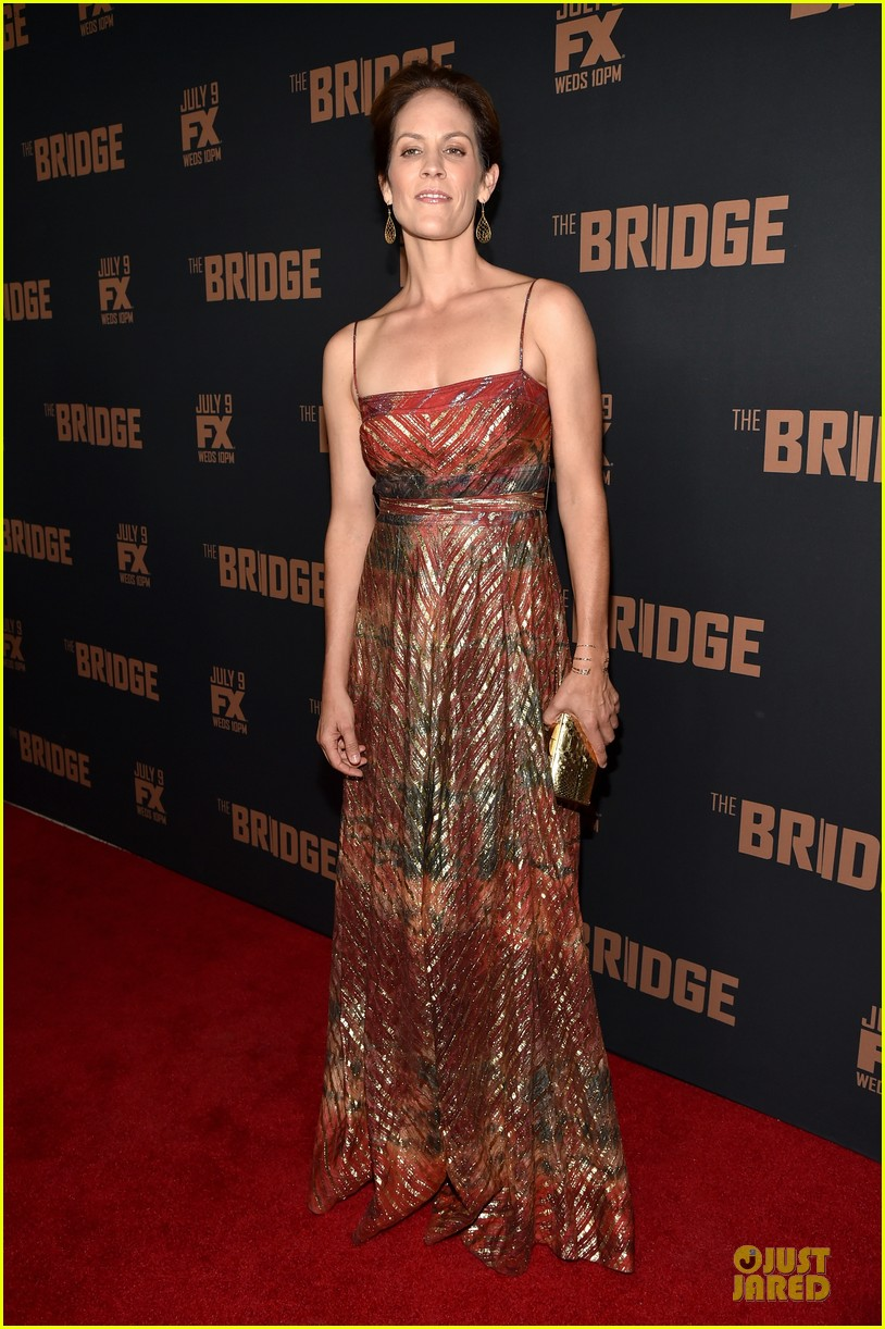 diane kruger brings colorful fashion sense to bridge premiere 05