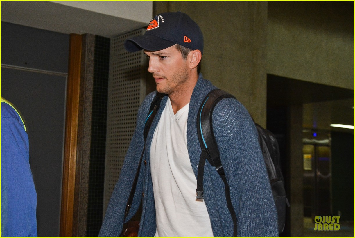 ashton kutcher gets ready for fifa world cup finals 19