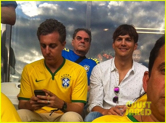 ashton kutcher happy to be world cup semifinals 14