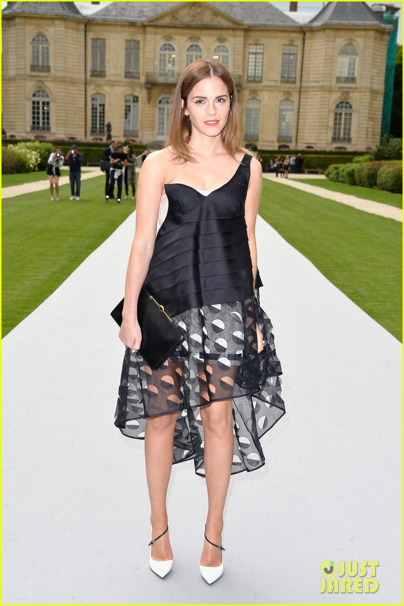 jennifer lawrence emma watson christian dior fashion show 083151017