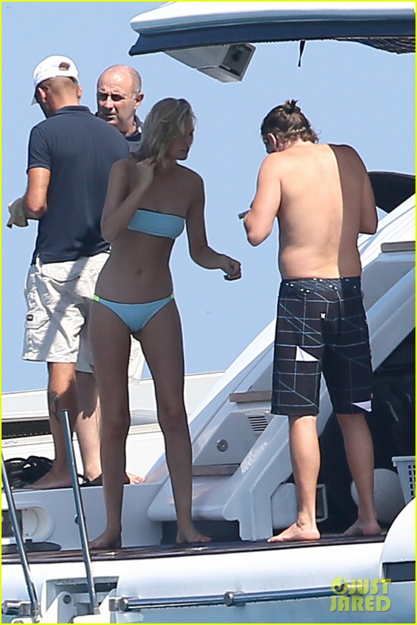 leonardo dicaprio goes shirtless with toni garrn for relaxing yacht day 03