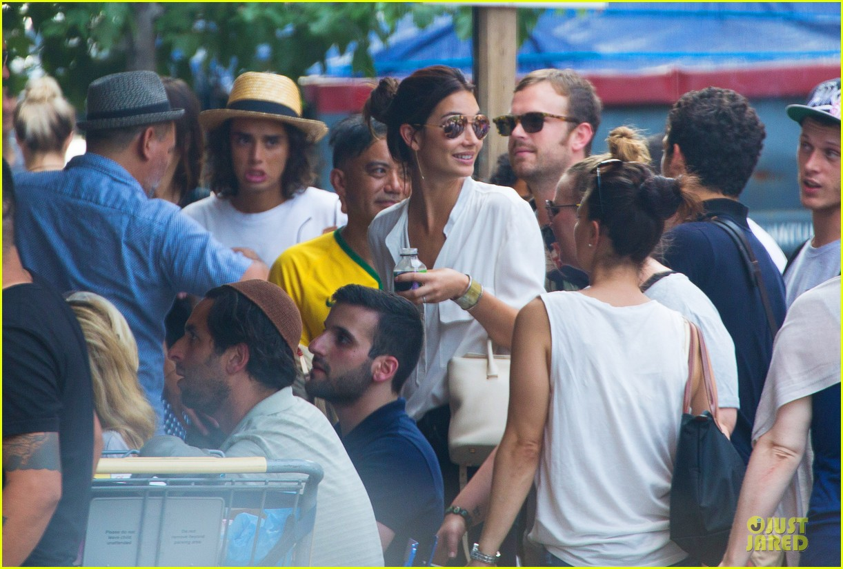 adriana lima alessandra ambrosio support brazil in world cup defeat 02