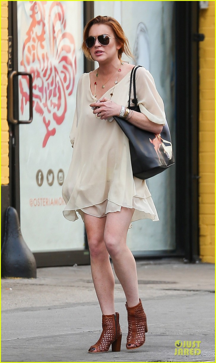 lindsay lohan turns awesome 28 on wednesday 043147878