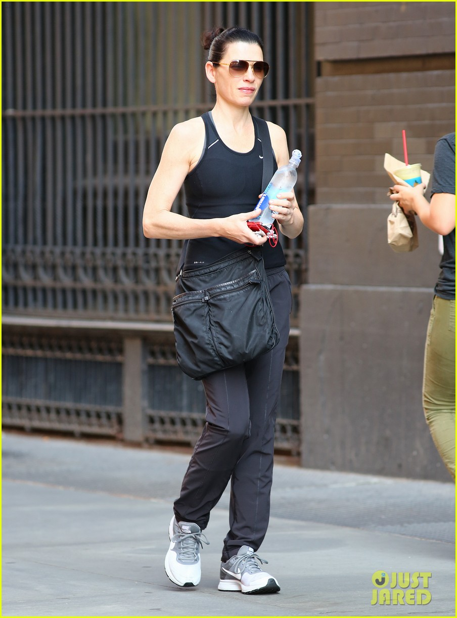 julianna margulies looks so fit fabulous 023151730